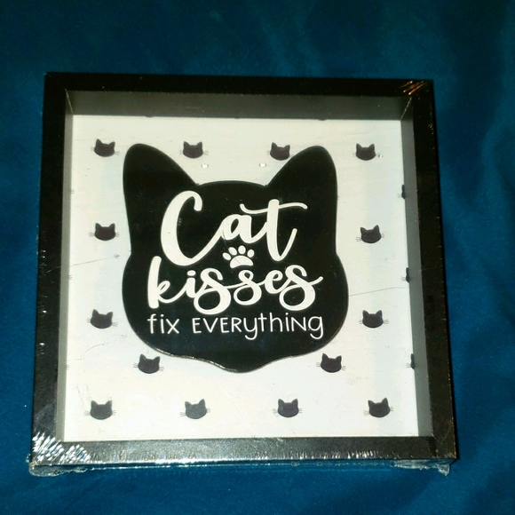 Cat-Lover's Decorative Wall-Hanging